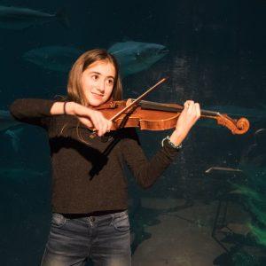 Luna Kretchmer - fiolin - Lalo : «Symphonie Espagnole» 1.sats